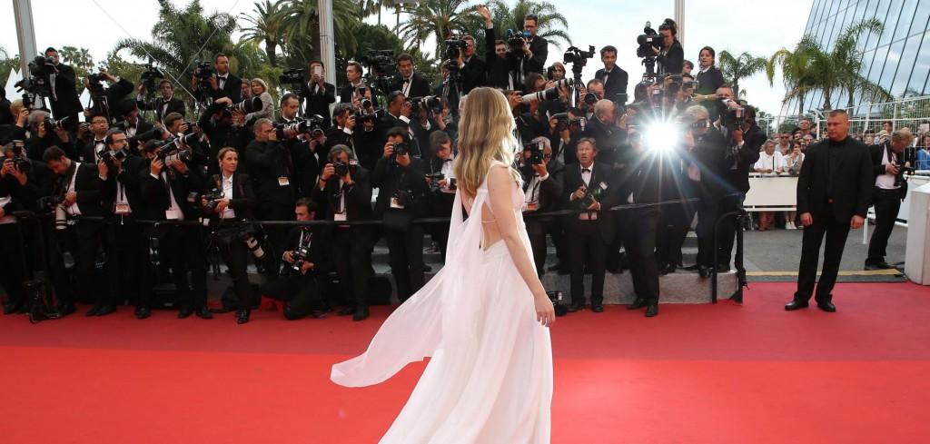 Les-7-essentiels-de-la-beaute-sur-le-tapis-rouge-de-Cannes_exact1900x908_l