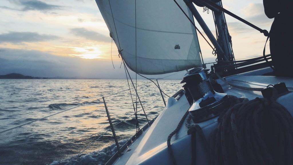 louer-un-bateau-larguer-amarres.png
