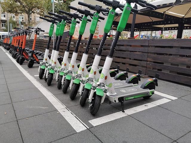 e-scooter-4496668_640