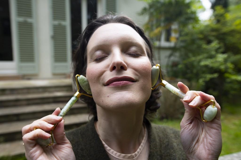 rouleau de jade yoga du visage